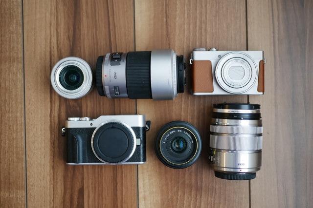 Vlogの肝であるカメラの選び方を解説!コスパ重視?利便性重視?